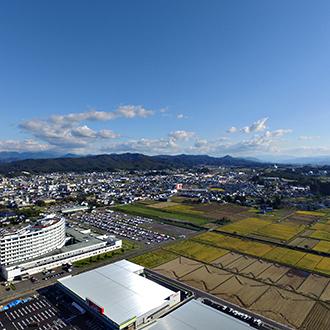 秋田県横手市 郊外ショッピングエリアからのドローン空撮