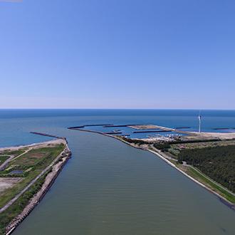 秋田県由利本荘市 海岸線からのドローン空撮